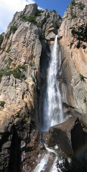 La fameuse cascade de 60m déscendue en rappel.