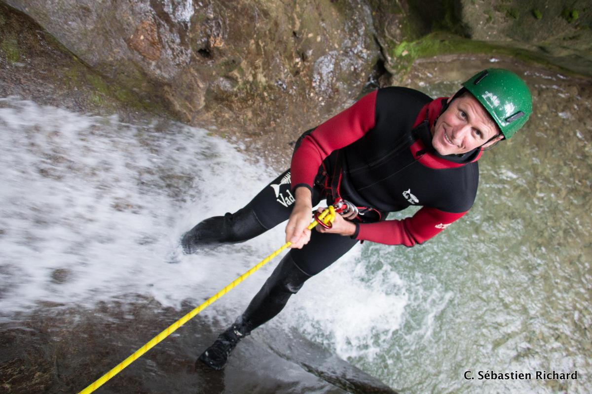 Descente d'un rappel 3m du canyon Versoud !!!