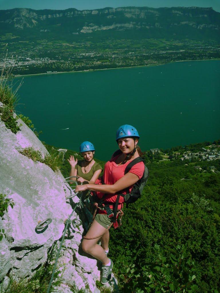 Enterrement de vie de jeune fille à la via ferrata de Cornillon au dessus du lac d'Aix les Bains