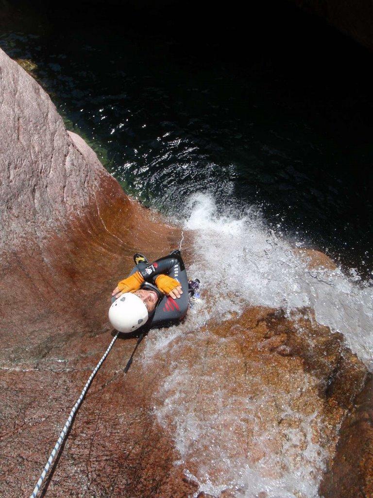 Tobbogan bien Vertical. Ce canyon à décidement de nombreuses ressources!