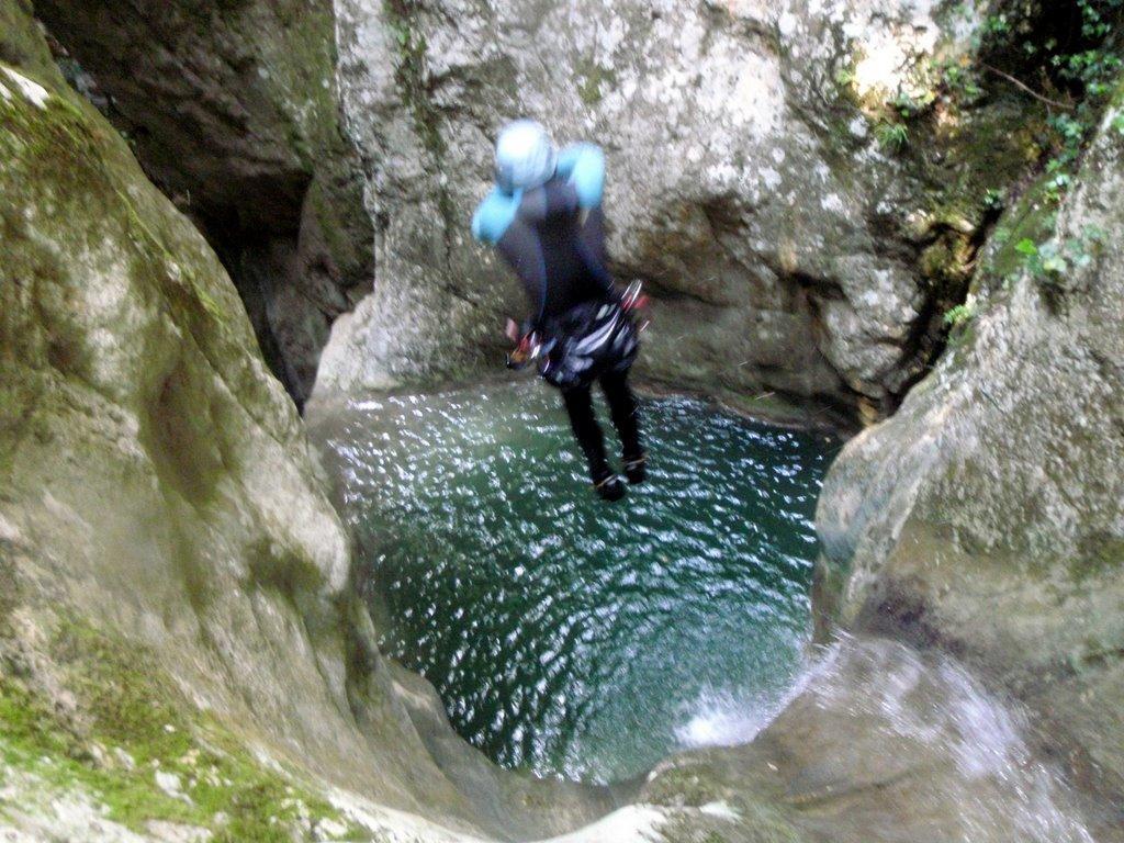 Le canyon de L'imberget est souvent sec. Mais les fortes pluies de 2008 le rendent aquatique.
