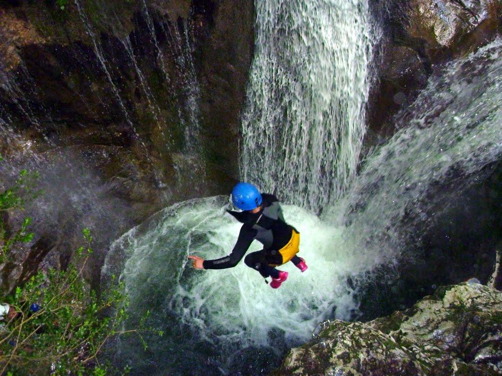 Sabine en action dans un des plus beaux enchaînements du canyon