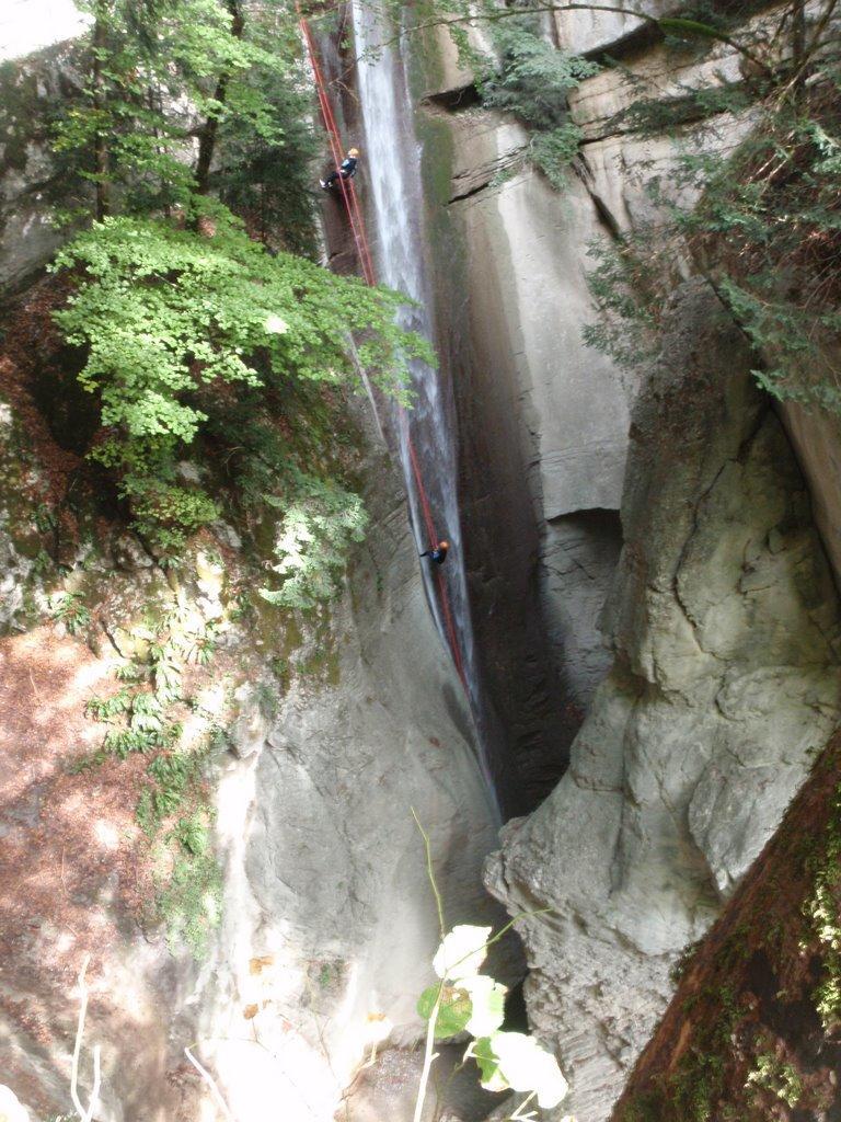 Le fameux rappel de la cascade depuis la passerelle.