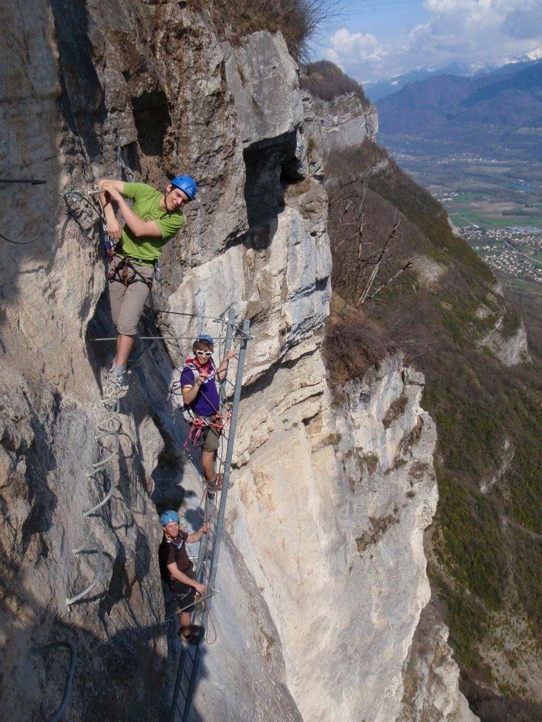 Ambiance vertical pour cette échelle qui termine l'itinéraire du grand Dièdre.