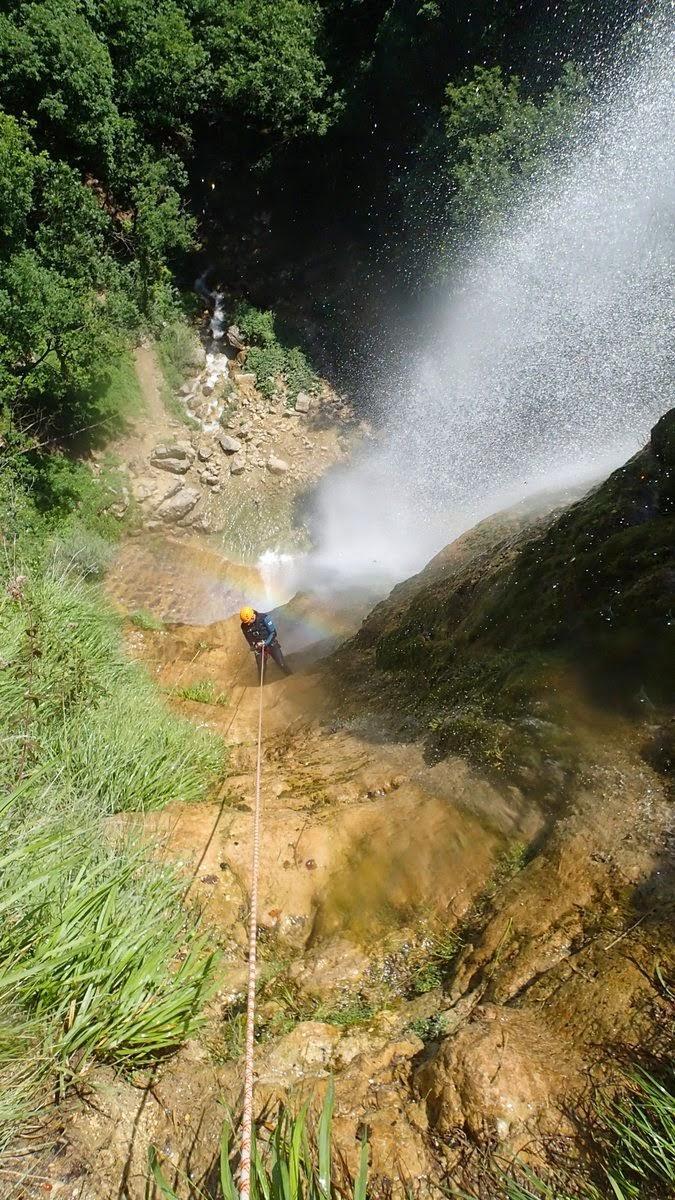 En bas du rappel de 70m au canyon de la Pissarde