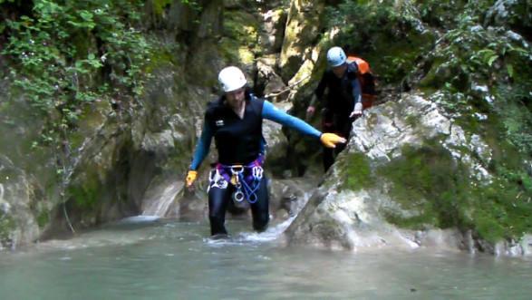 Une courte marche de 10 minutes permet d'accéder au départ du canyon