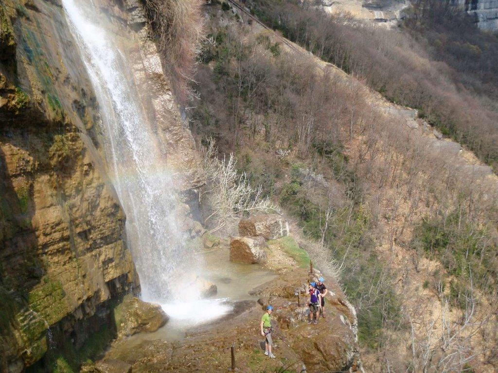 L'itinéraire des Lavandières passe au pied de la cascade de l'Oule.