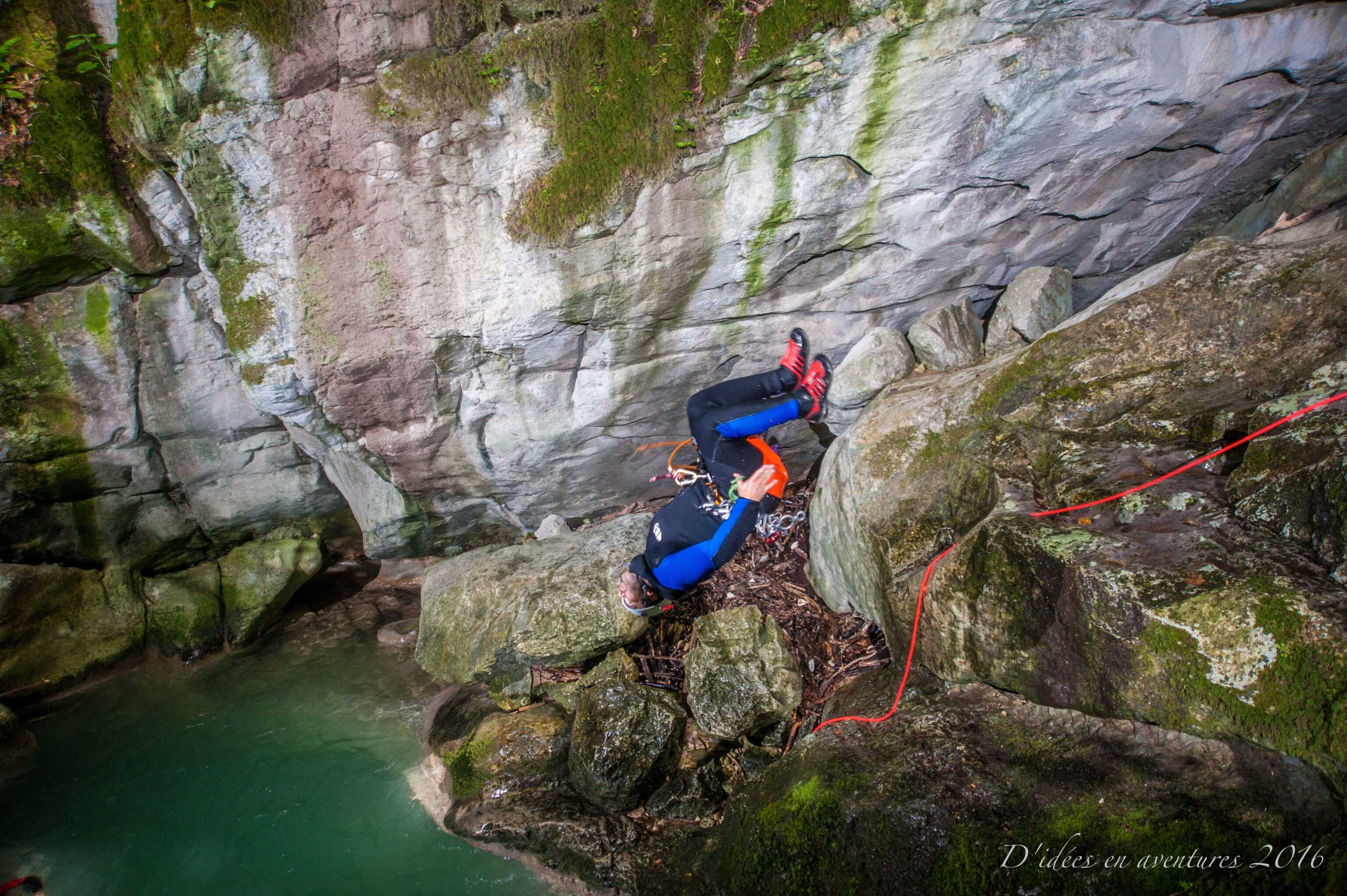 Saut dans le canyon du Furon