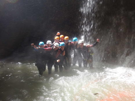 EVG sous la cascade d'Angon