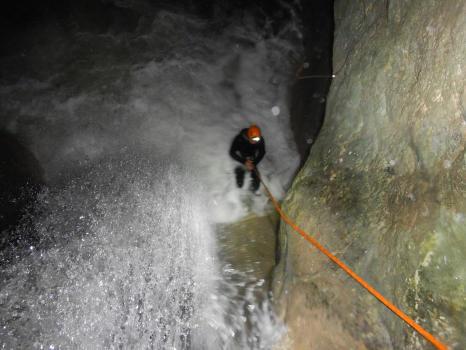 Rappel toboggan, canyon nocturne
