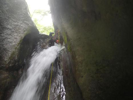 à 45 minutes de Grenoble et 1h30 de Valence et Lyon ce canyon est une découverte de 4h30 de sensations