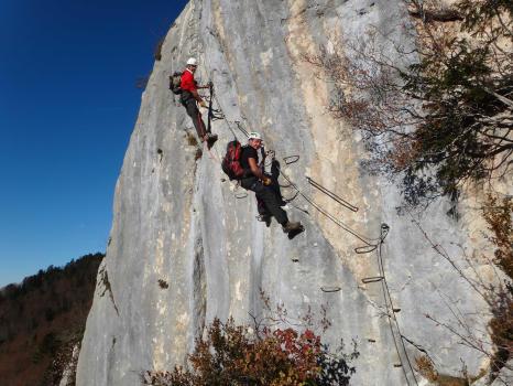 Vertical climbing Roche Veyrand, Chartreuse range