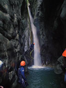 Decsente en rappel (17m maximum) au canyon des moules marinères