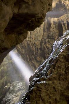 Lumière dans le canyon de l'Infernet
